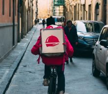 Guide to start a food delivery service Business.